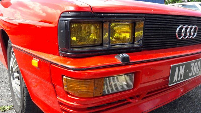 UR rouge phares jaunes (2)